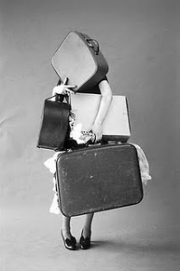 mood_tim-walker_iris-palmer-and-her-suitcases_italian-vogue